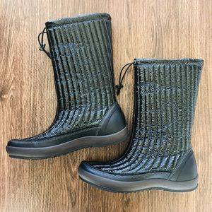 Ecco Black Leather Quilted Boots